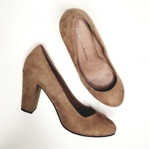 Chinese Laundry nude suede pumps size 9.5